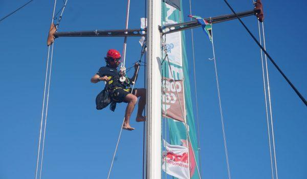 Hugo-PICARD-up-on-the-mast